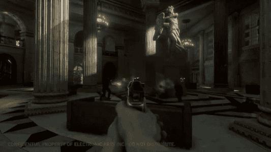 En el vídeo se vieron muchas escenas disparando con pistolas.