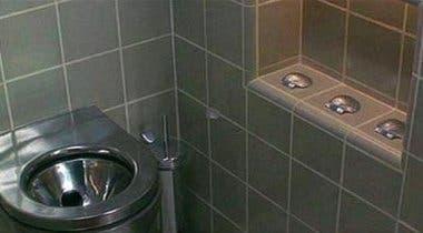 Imagen de Al fin sabemos por qué usaban 3 conchas en los baños de Demolition Man