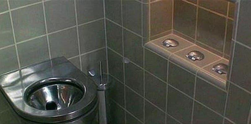 Al fin sabemos por qué usaban 3 conchas en los baños de Demolition Man
