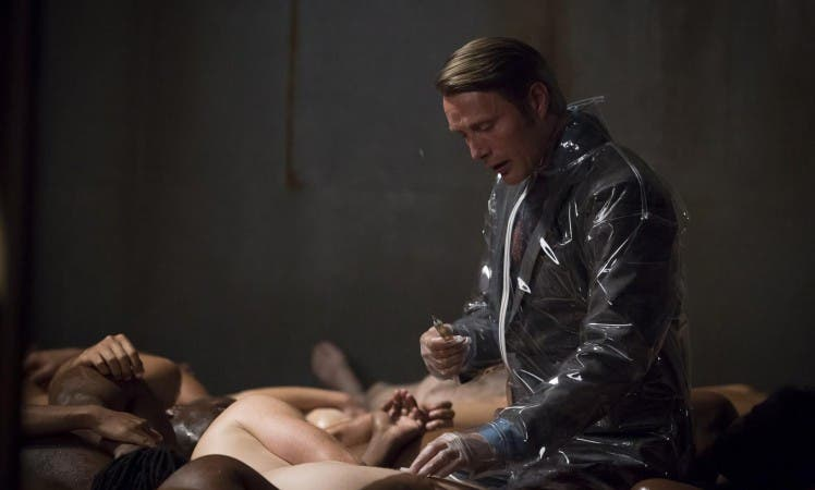 hannibal-mads-mikkelsen-wades-into-a-art-project-in-sakizuki