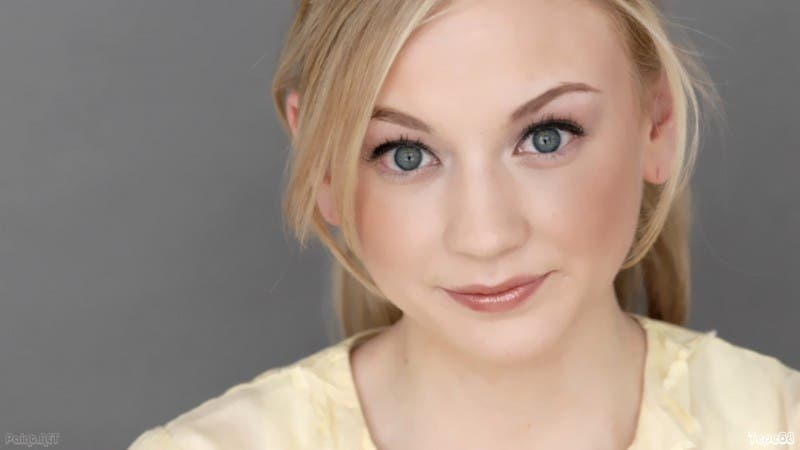 Emily-Kinney-Flash