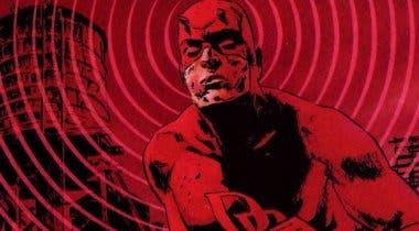 Imagen de Se confirma que el traje rojo de Daredevil es oficial en un nuevo póster en movimiento