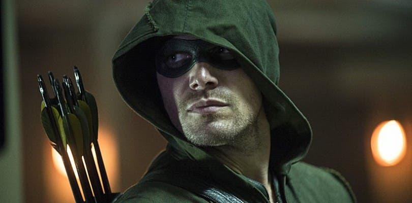 Stephen Amell causa confusión con unas declaraciones sobre el futuro de Arrow