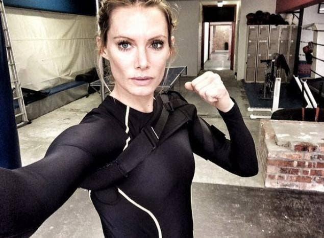Olivia Jackson durante el rodaje de Resident Evil: The Final Chapter
