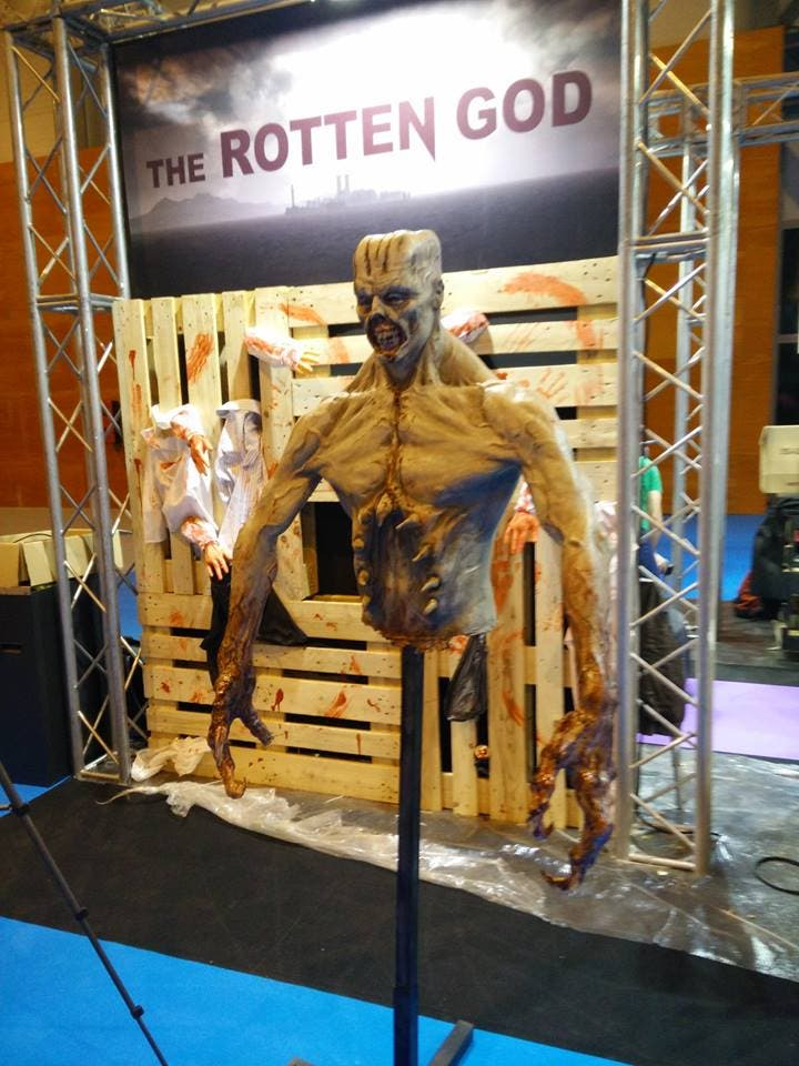 The Rotten God busto