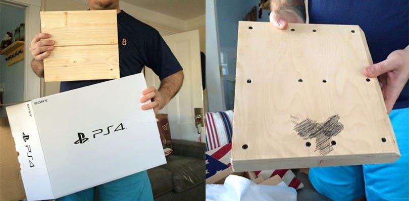 Compra una PlayStation 4 de madera con un pene dibujado