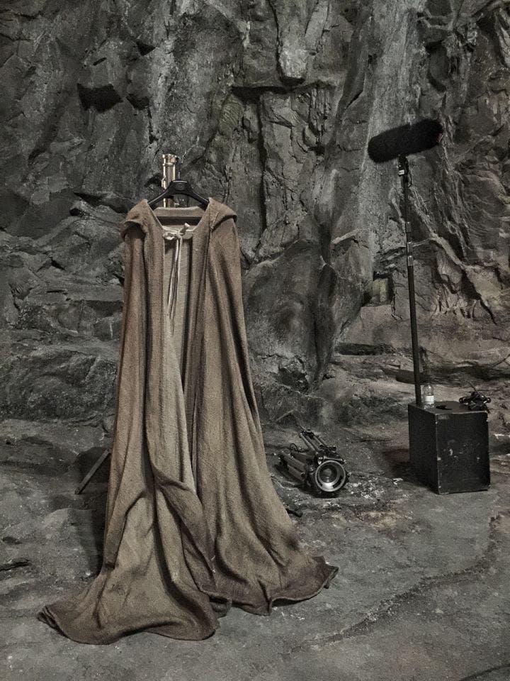 episode8-cloak-720x960