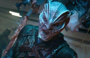 El villano de Star Trek: Más Allá se luce en su tráiler final