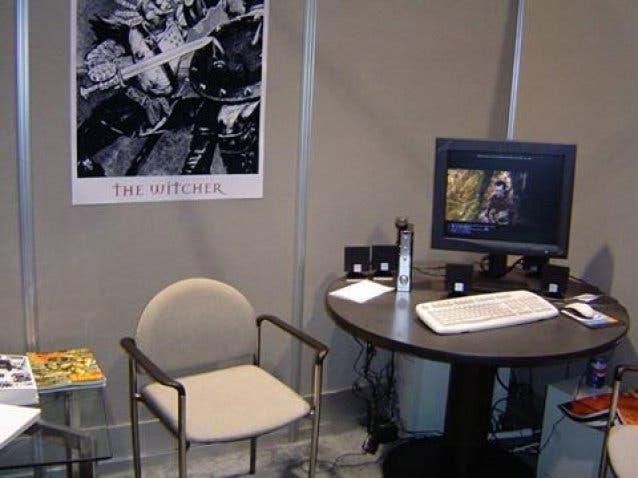 Stand de CD Projekt sobre The Witcher en el E3 de 2004
