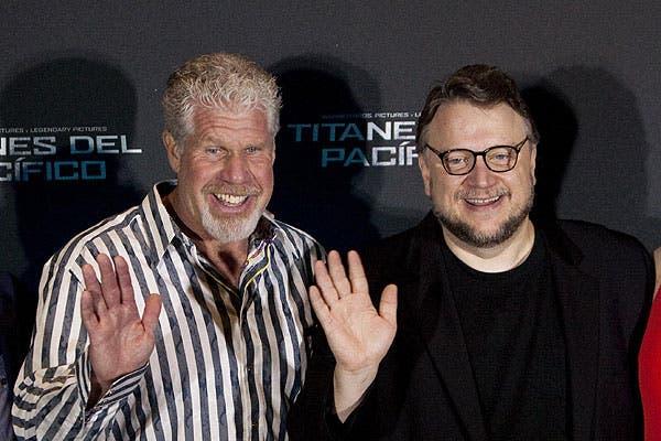 Ron Perlman y Guillermo del Toro durante la promoción de Pacific Rim