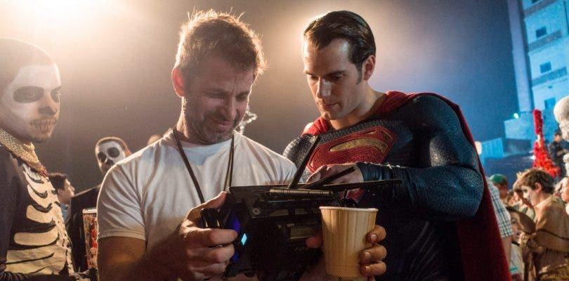 Henry Cavill habla sobre el regreso de Superman y su traje negro