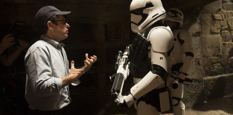 El regreso de Abrams al universo Star Wars levanta ampollas