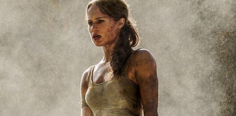 Lara prepara su arco en la nueva imagen de la película de Tomb Raider