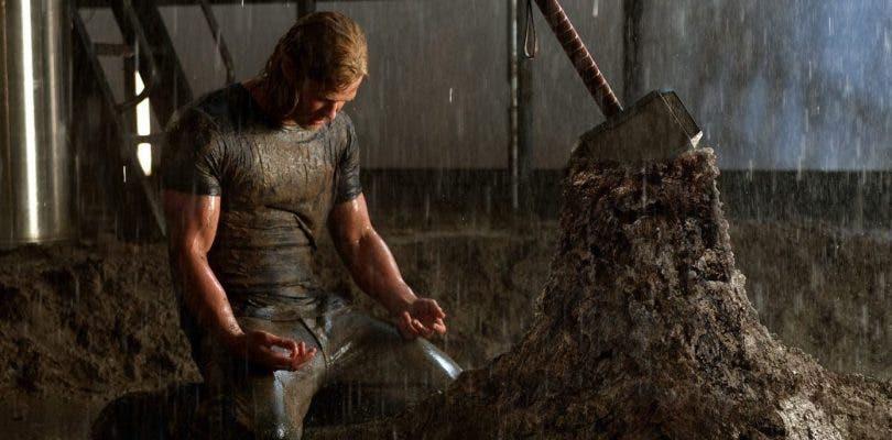 Chris Hemsworth deja el martillo de Thor y la actuación por un tiempo
