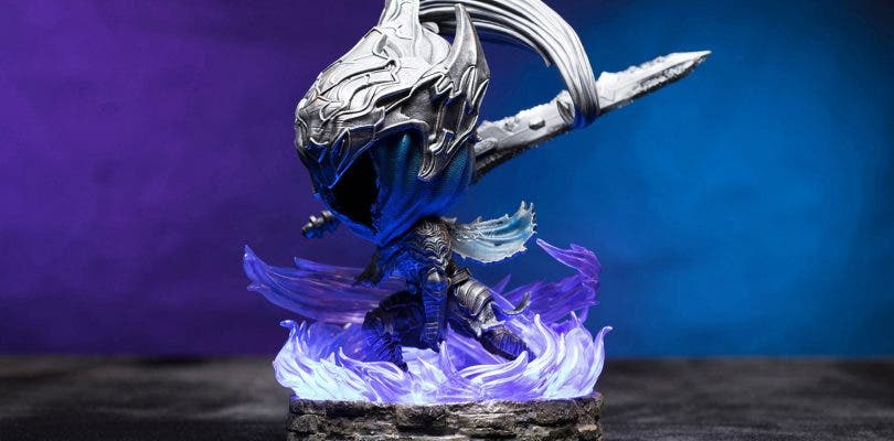 Firts 4 Figures presenta una pieza de Artorias de Dark Souls con estilo chibi