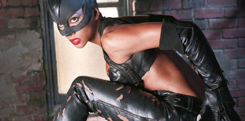 """Uno de los guionistas de Catwoman reconoce que la película fue una """"mierda"""""""