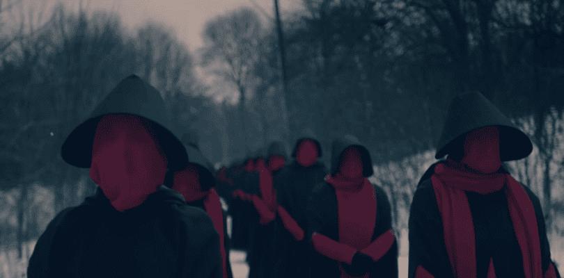 Estalla la guerra civil en el último tráiler de El cuento de la criada