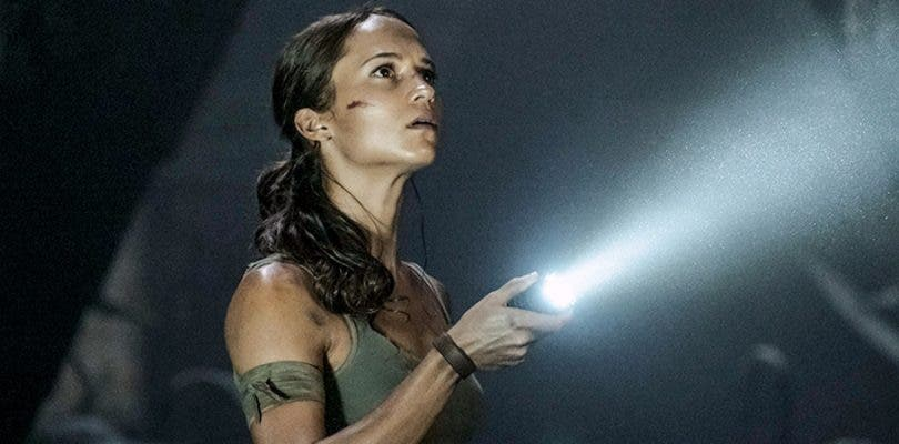 El cameo de Angelina Jolie no encajaba en Tomb Raider