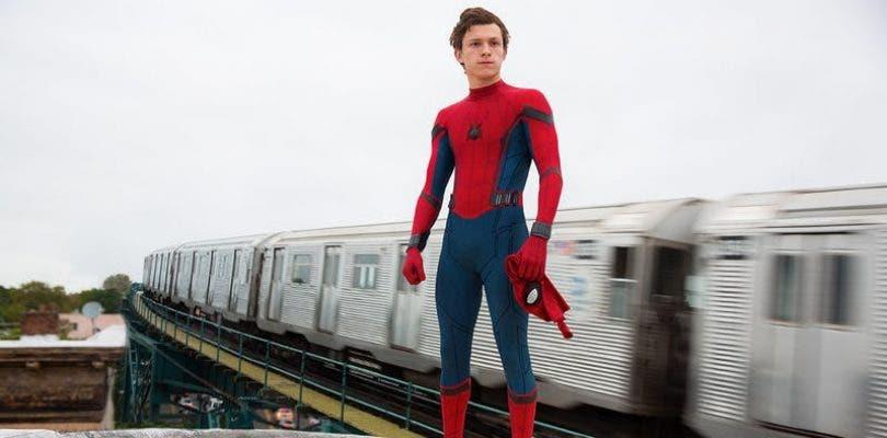 Tom Holland rinde tributo al cocreador de Spider-Man Steve Ditko