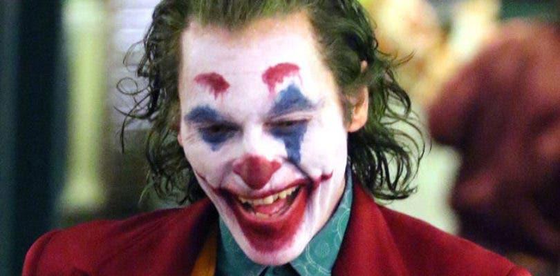 Joaquin Phoenix y Zazie Beetz cenan juntos en las nuevas imágenes de Joker