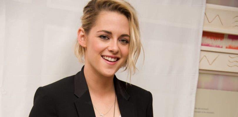 Kristen Stewart se deja ver en el set del remake de Los ángeles de Charlie