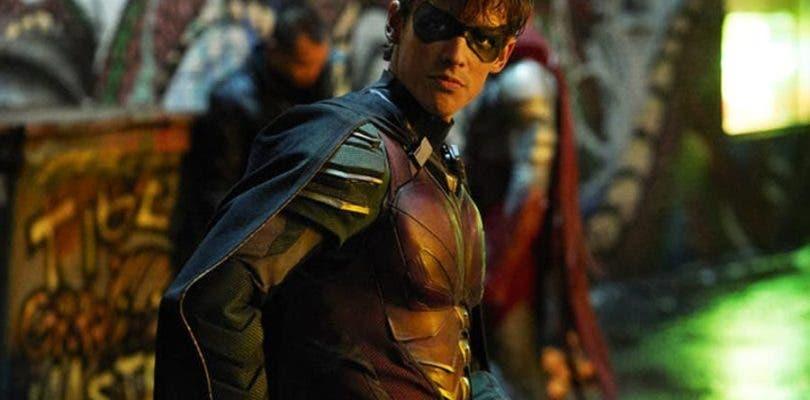 Por qué Robin dejó a Batman, y los poderes de Beast Boy en los nuevos táileres de Titans