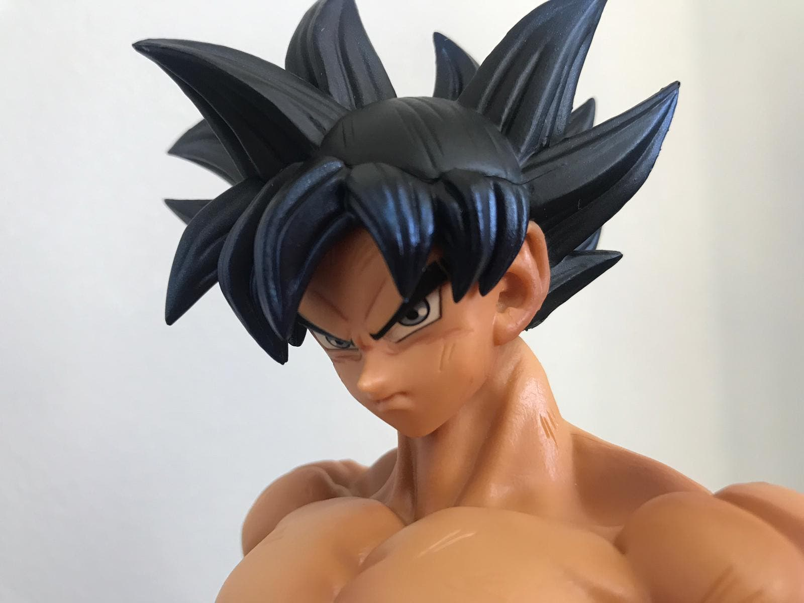 Imagen de Dragon Ball Super: Análisis figura Goku Ultra Instict Legend Battle Asia - Exclusive Banpresto