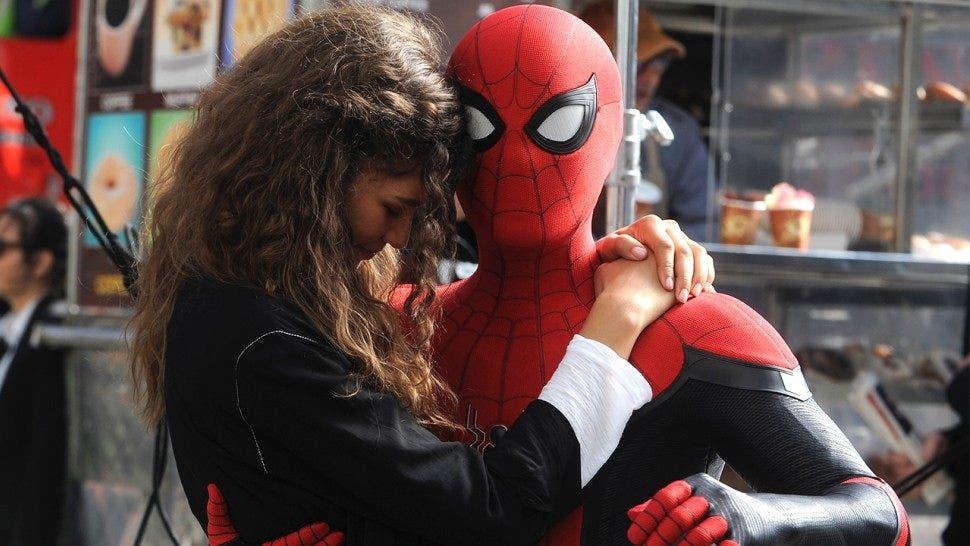 Resultado de imagen para imagenes de spiderman lejos de casa sin copyright