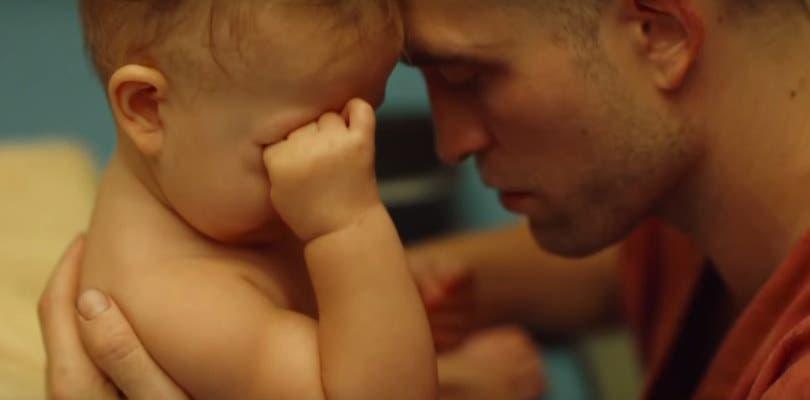 Robert Pattinson se hace padre espacial en el primer tráiler de High Life