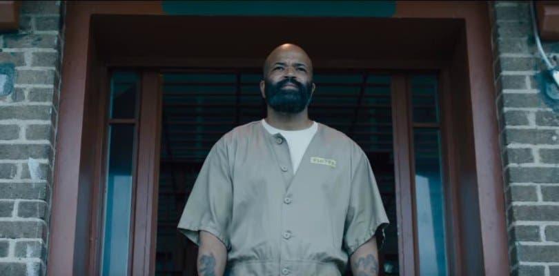 Jeffrey Wright se convierte en criminal encarcelado en el primer tráiler de O.G.