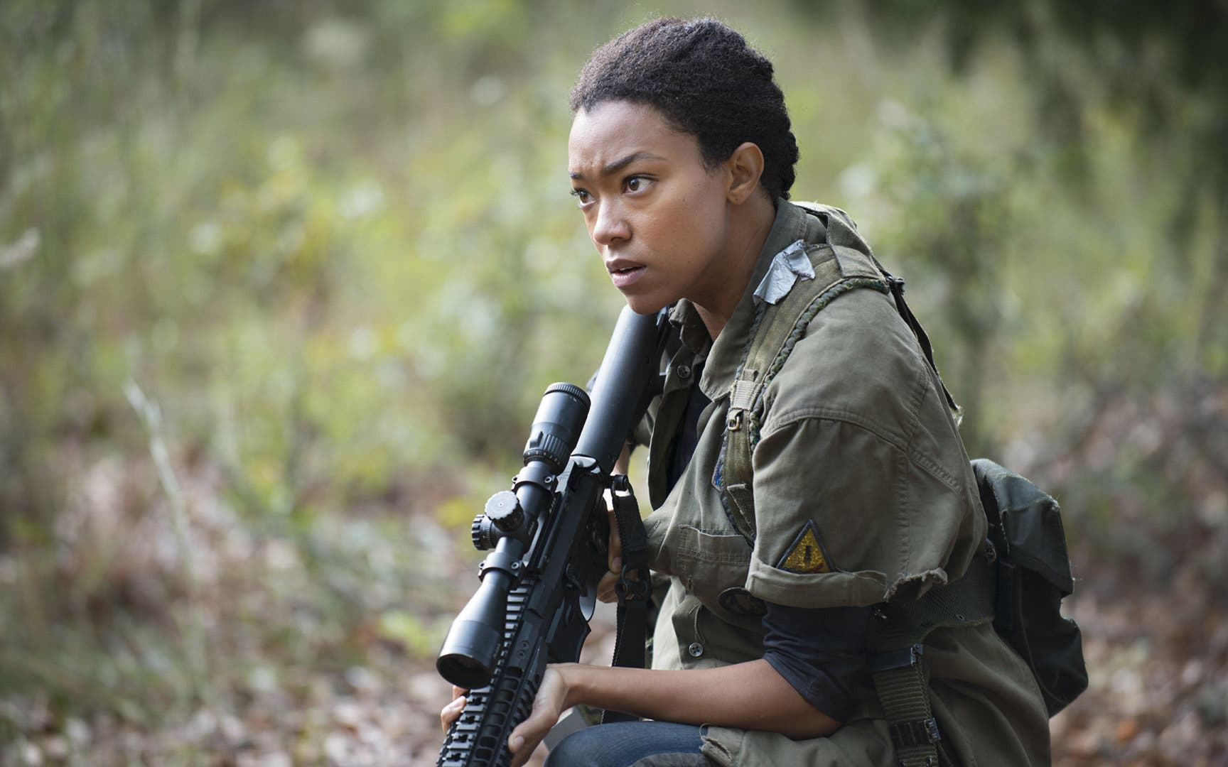 Imagen de Sonequa Martin-Green de The Walking Dead en conversaciones para Space Jam 2