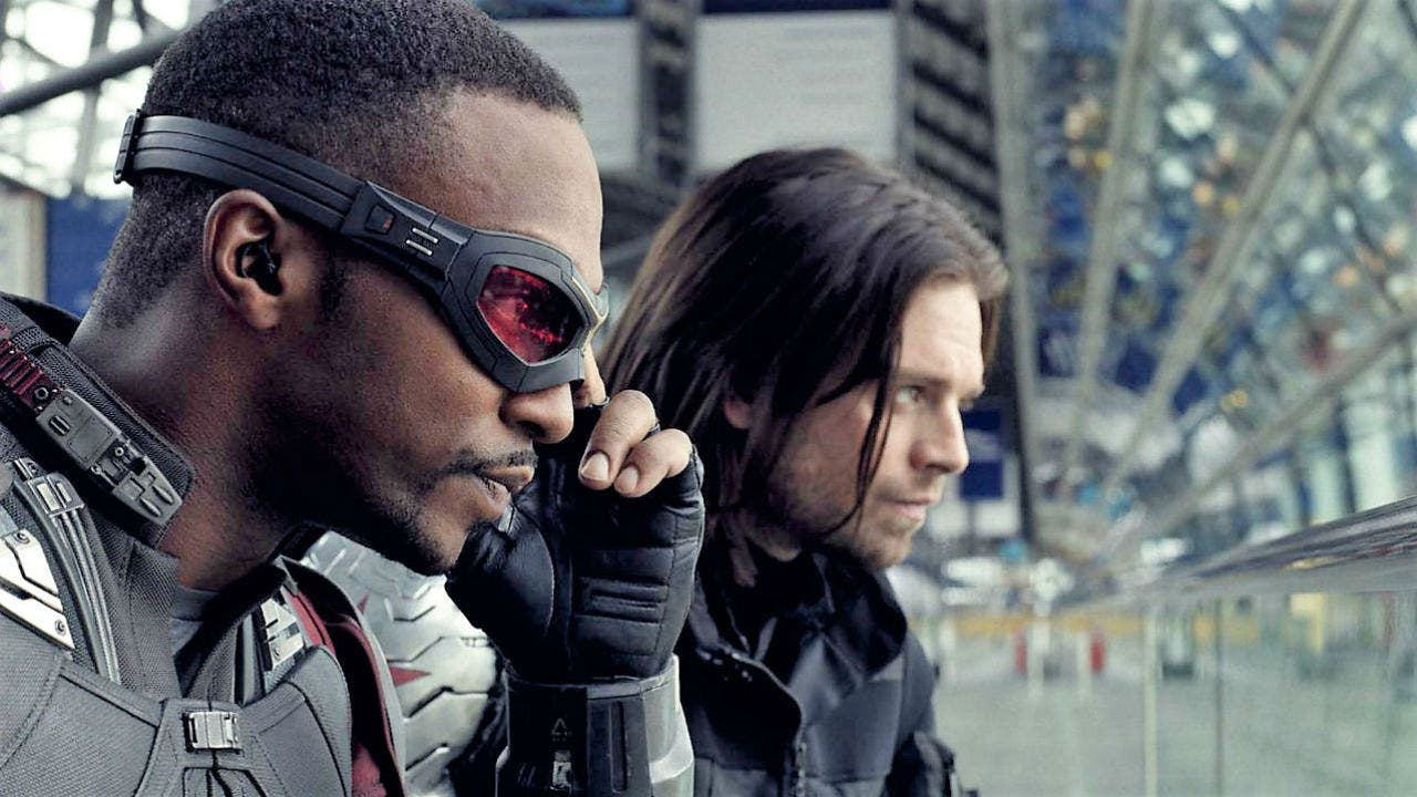 "Imagen de The Falcon and The Winter Soldier ya cuenta con un póster ""cortado a medida"""