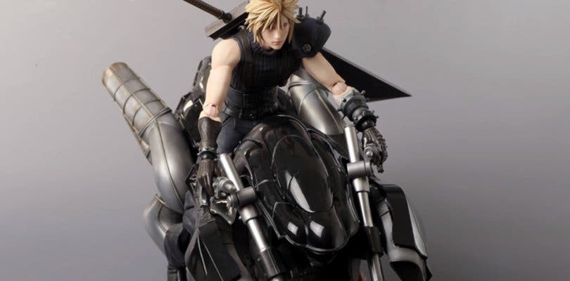 Square Enix realiza un unboxing de la figura de Cloud de Final Fantasy 7 Remake