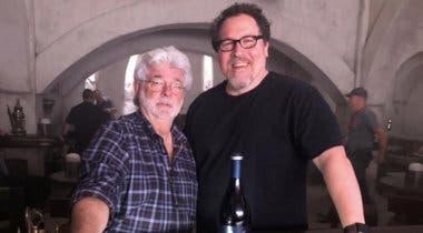 Imagen de Jon Favreau defiende el CGI de las precuelas de Star Wars, y venera a George Lucas