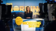 Imagen de The Morning Show se enfrenta al drama televisivo en su primer tráiler