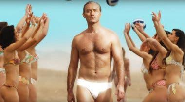 Imagen de Jude Law vuelve repartiendo erotismo en el primer tráiler de The New Pope