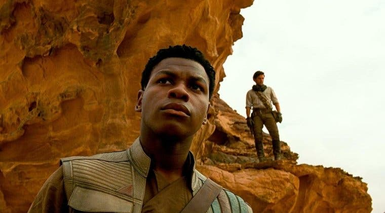 """Imagen de John Boyega (Star Wars) apoya a J.J. Abrams: """"no tenía la obligación de volver a salvar vuestra mierda"""""""