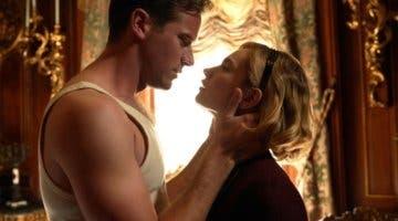 Imagen de Armie Hammer y Lily James se lucen en las primeras imágenes del remake de Rebeca de Netflix
