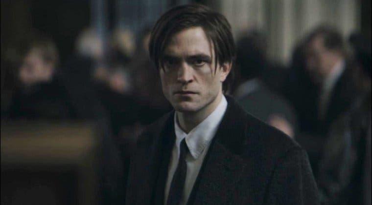 Imagen de Nuevas fotos del rodaje de The Batman con un Robert Pattinson de luto