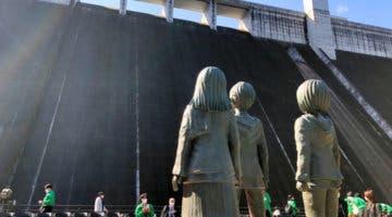 Imagen de Ataque a los Titanes inmortaliza a Eren, Mikasa y Armin con una estatua