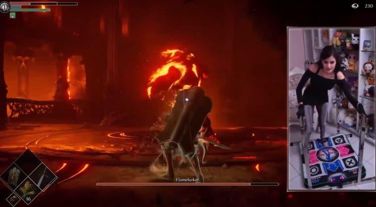 Imagen de Así juega Luality, la streamer que vence a los jefes de Demon's Souls con una alfombrilla de baile