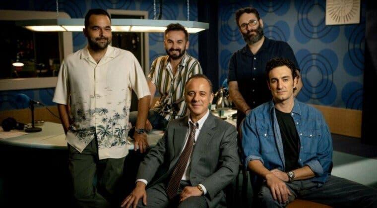 Imagen de Reyes de la noche, la comedia de Movistar Plus sobre la época dorada del periodismo deportivo, ya tiene fecha