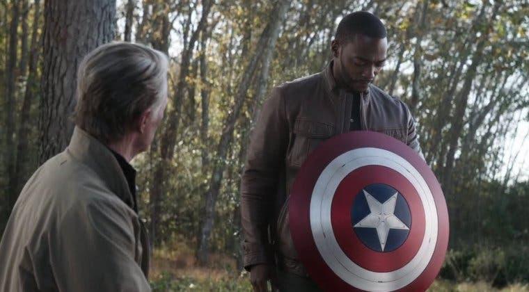 Imagen de Falcon y el Soldado de Invierno: Kevin Feige explica por qué decidió que Sam heredase el escudo de Capitán América