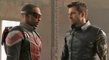 Imagen de Falcon y el Soldado de Invierno: ¿qué contiene la caja que le da Bucky a Sam?