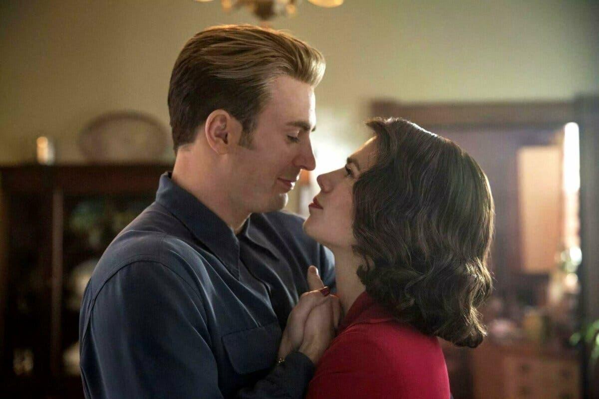 Capitán América bailando con Peggy Carter