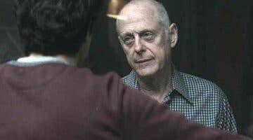 Imagen de Mark Blum, ¿quién es la persona a la que va dedicada el capítulo 1 de la temporada 3 de You?